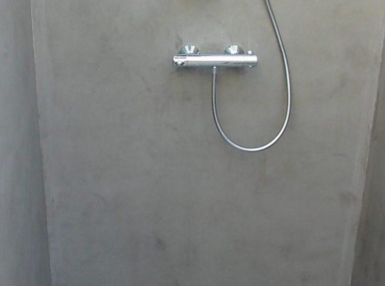 bretagne résine: béton ciré mur et sol, douche